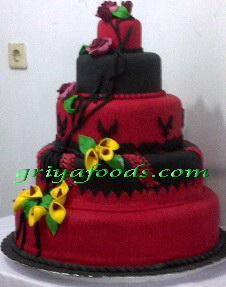 wedding cake dengan Decoration Fondant